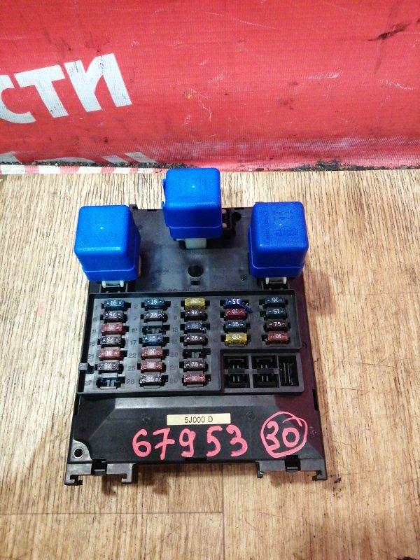 Блок предохранителей Nissan Bluebird EU14 SR18DE 03.1998 салонный