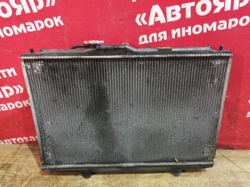 Радиатор основной Honda Odyssey RA7 F23A 2001 2 диффузора. дефект на фото.