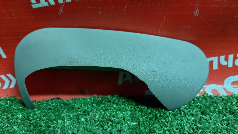Накладка пластиковая в салон Nissan X-Trail NT30 QR20DE правая на сиденье