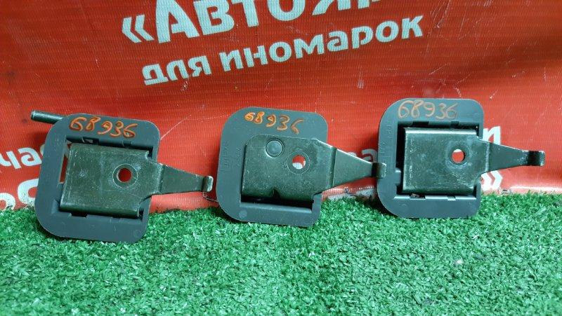 Петля сиденья Nissan X-Trail NT30 QR20DE комплект 3 шт. 883428H300