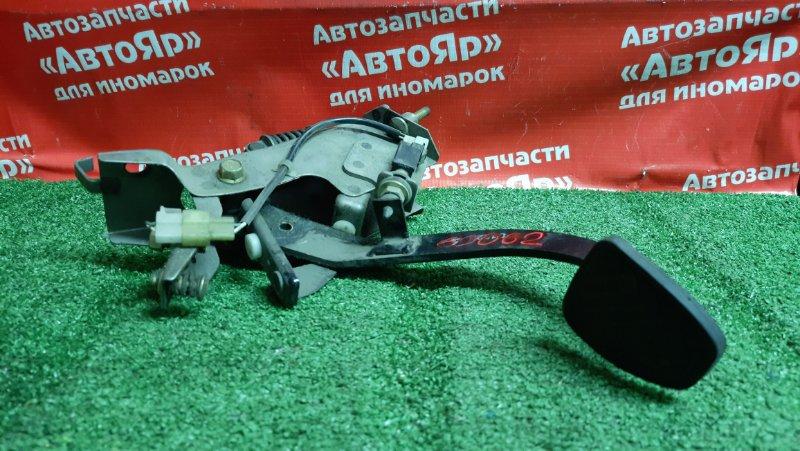 Педаль Subaru Forester SF5 EJ20 Педаль тормоза, МТ.