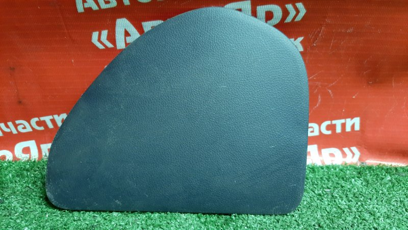 Накладка пластиковая в салон Mitsubishi Airtrek CU4W 4G64 mr480891 накладка на переднюю панель.