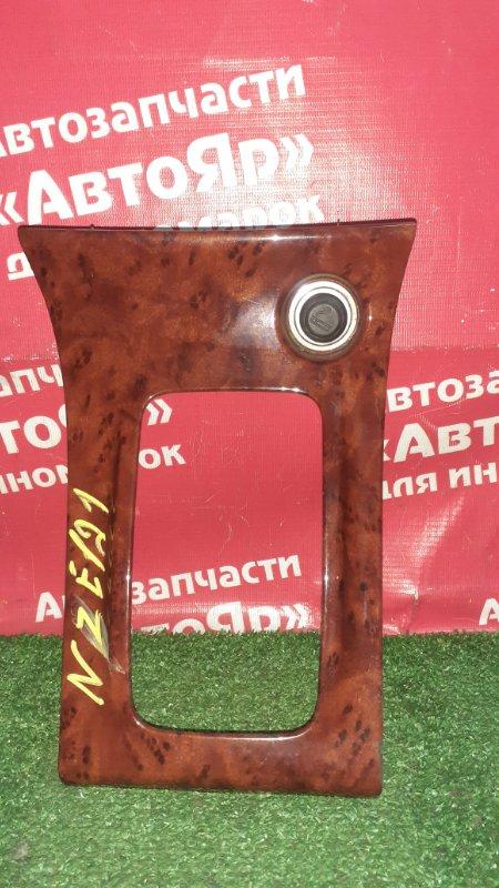 Накладка пластиковая в салон Toyota Corolla NZE121 1NZ-FE 01.2002 58821-12100 консоль кпп