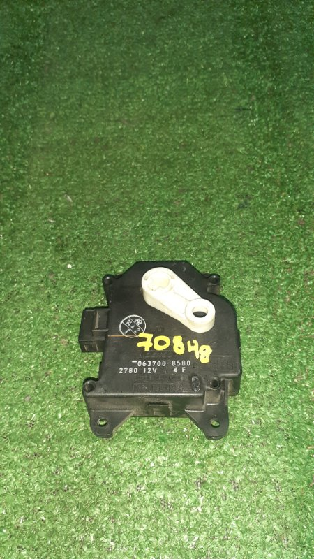 Привод заслонок отопителя Toyota Alphard ATH10W 2AZ-FXE 04.2004 063700-8580