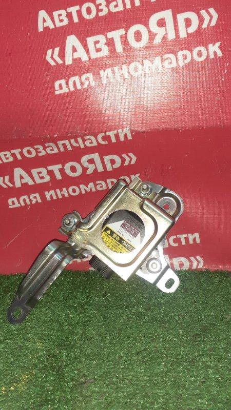 Датчик курсовой устойчивости Toyota Alphard ATH10W 2AZ-FXE 04.2004 89183-60020 / 174500-5430