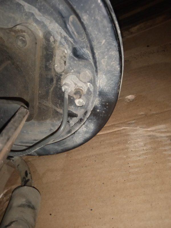 Рабочий тормозной цилиндр Nissan Vanette SK82VN F8 05.2005 задний правый