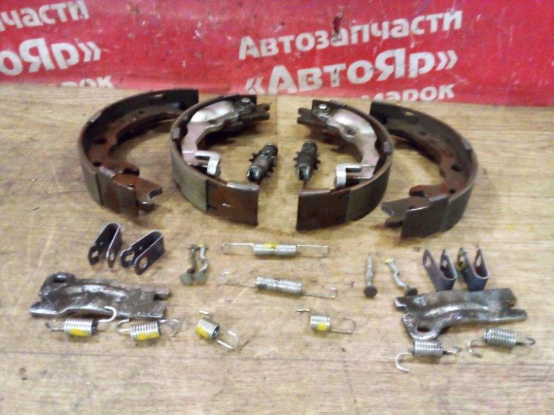 Тормозные колодки Honda Stepwgn RK1 R20A 07.2010 заднее Комплект стояночного тормоза.
