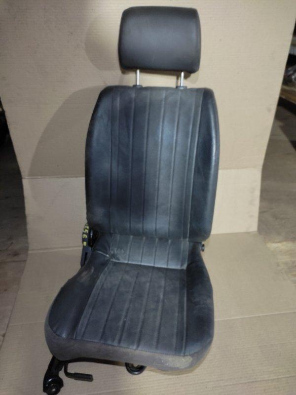 Сидение Mazda Bongo Brawny SK56V WL 06.2001 переднее Водительское.