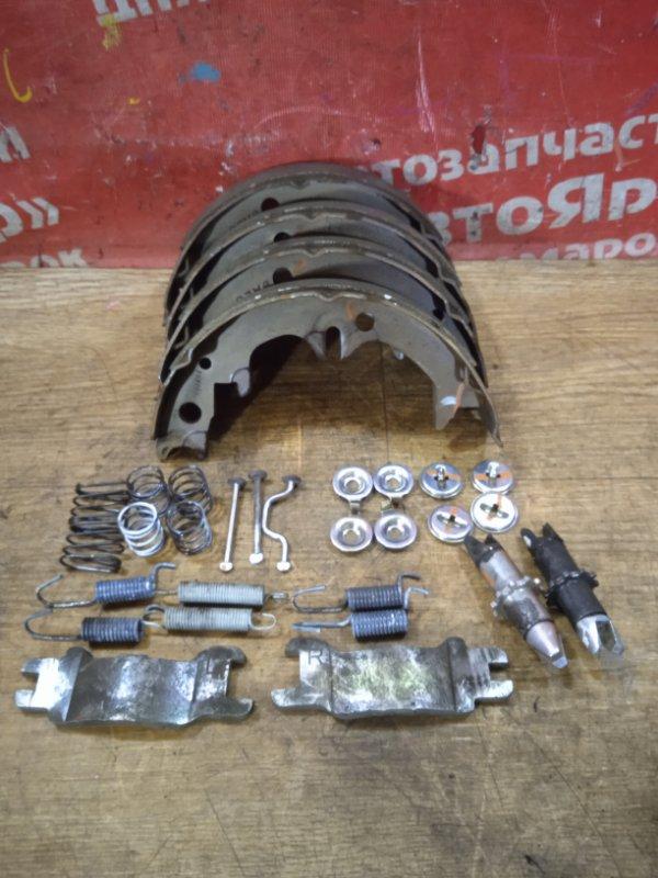 Тормозные колодки Toyota Camry ACV40 2AZ-FE 02.2009 заднее Стояночного тормоза с механизмом,