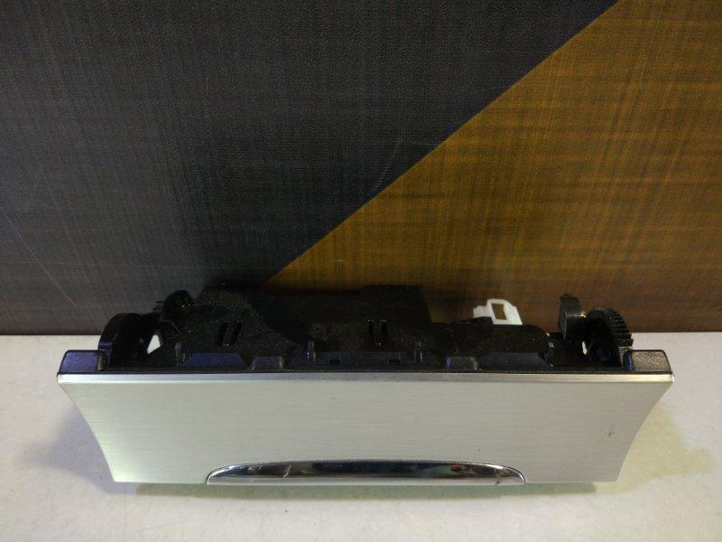 Пепельница Volkswagen Passat B6 AXZ 2008