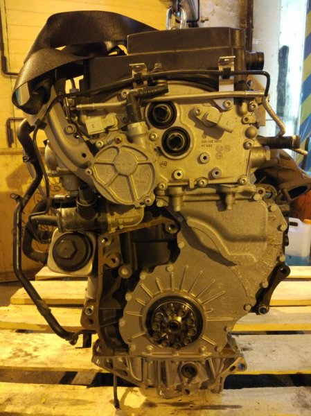 Двигатель Volkswagen Passat B6 AXZ 2008