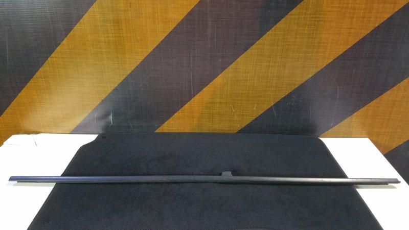 Молдинг стекла Bmw E39 задний левый