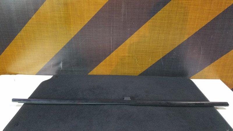 Молдинг стекла Bmw E39 передний правый