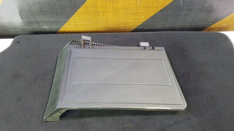 Крышка корпуса салонного фильтра Bmw E39 правая