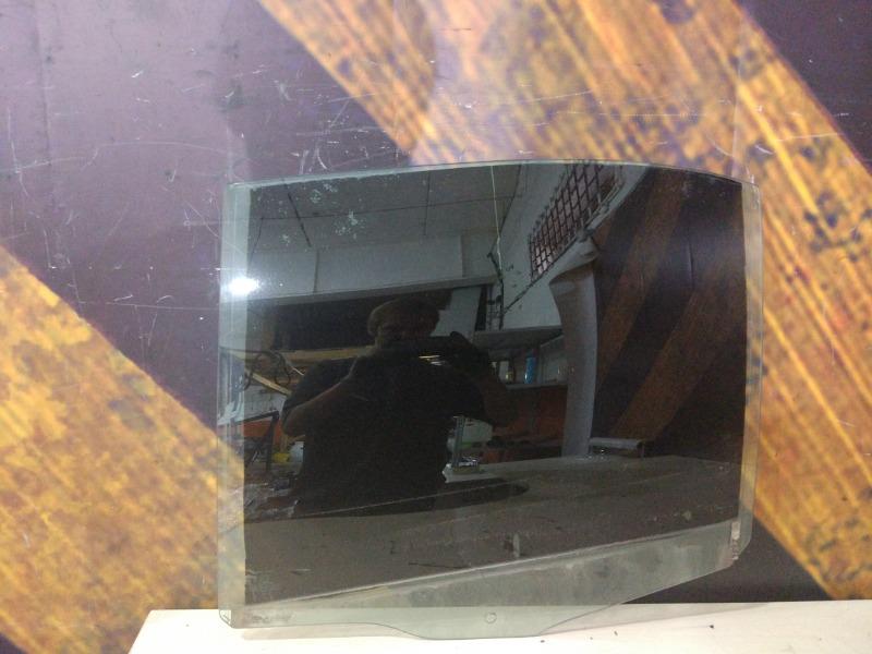 Стекло Bmw 528I E39 M52TU 1999 заднее левое
