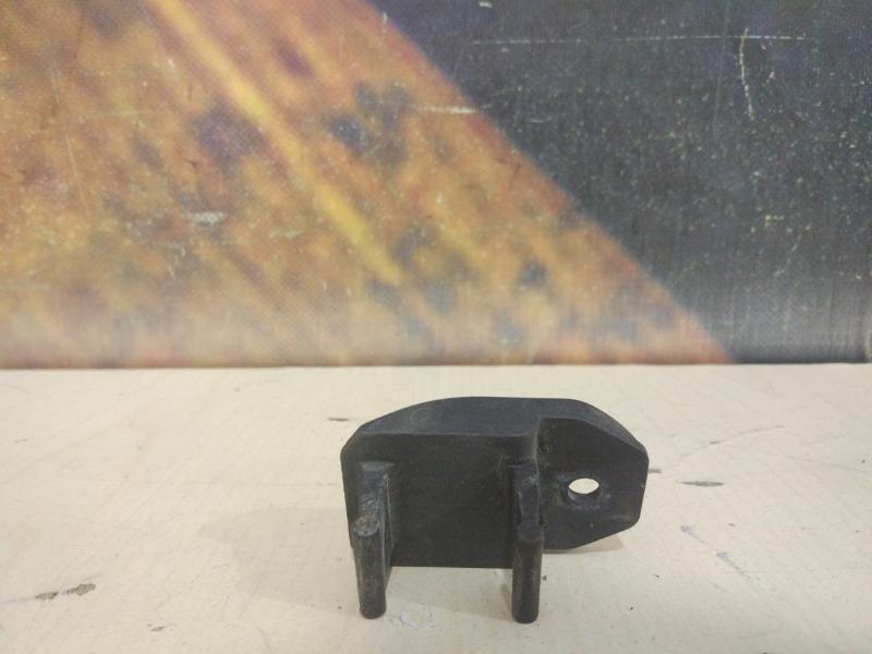 Крепление радиатора Bmw 525I E39 M52 1996