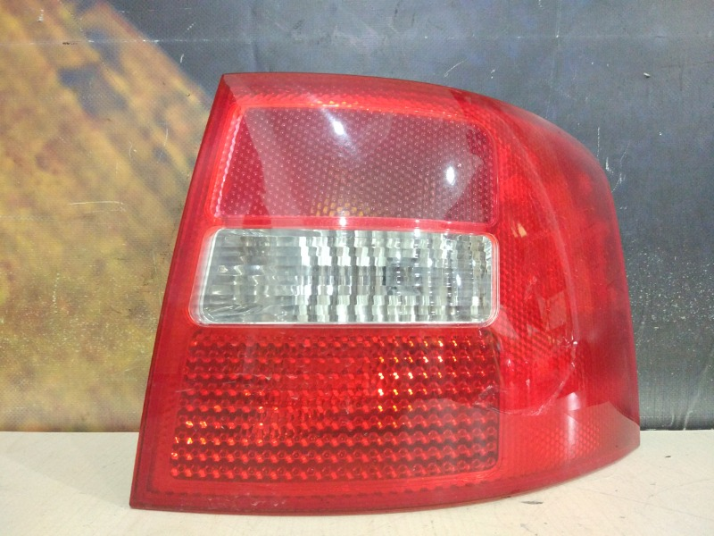 Фонарь Audi Allroad C5 BES 2004 задний правый