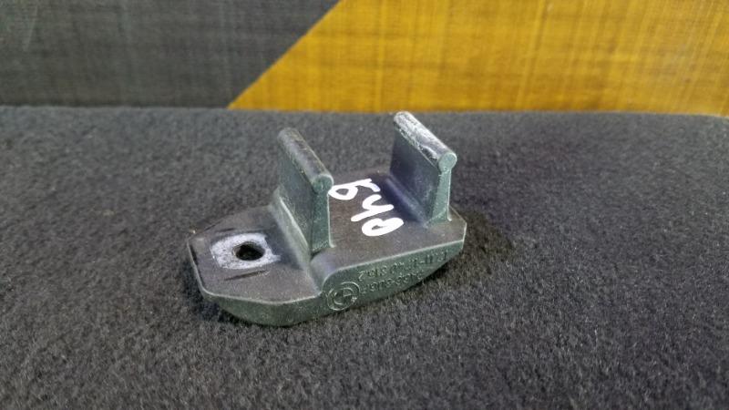 Крепление радиатора Bmw 525I E39 M52 1996 верхнее