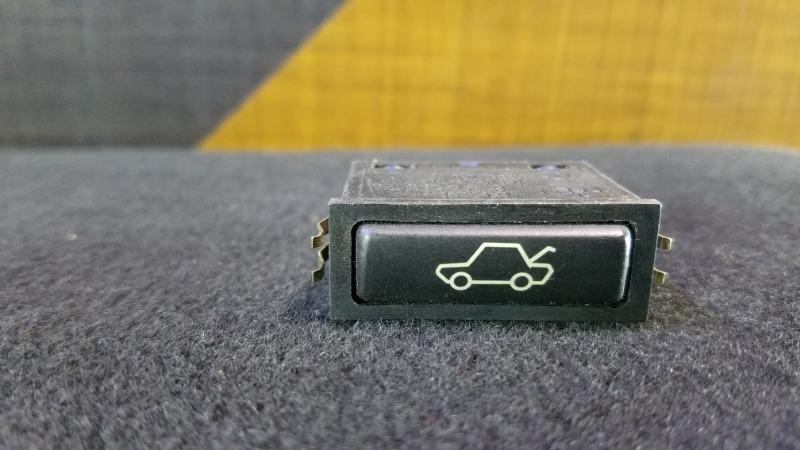Кнопка открывания багажника Bmw 528I E39 M52 1997