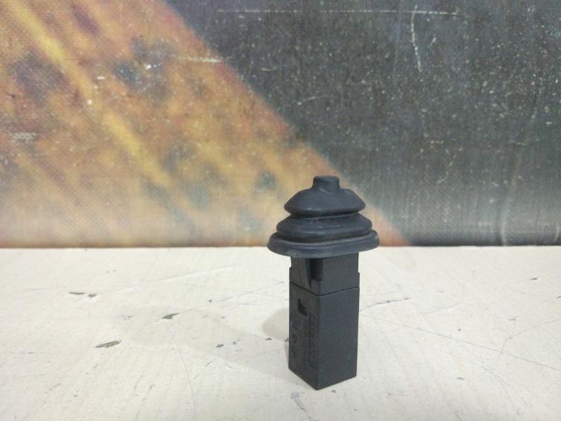 Кнопка лючка бензобака Bmw 325I E46 M54 2004