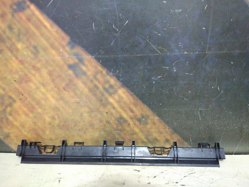 Крепление радиатора Bmw 330I E46 M54 2000