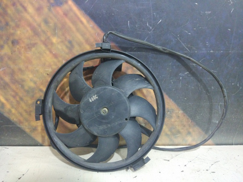 Вентилятор радиатора Audi Allroad C5 ARE 2000