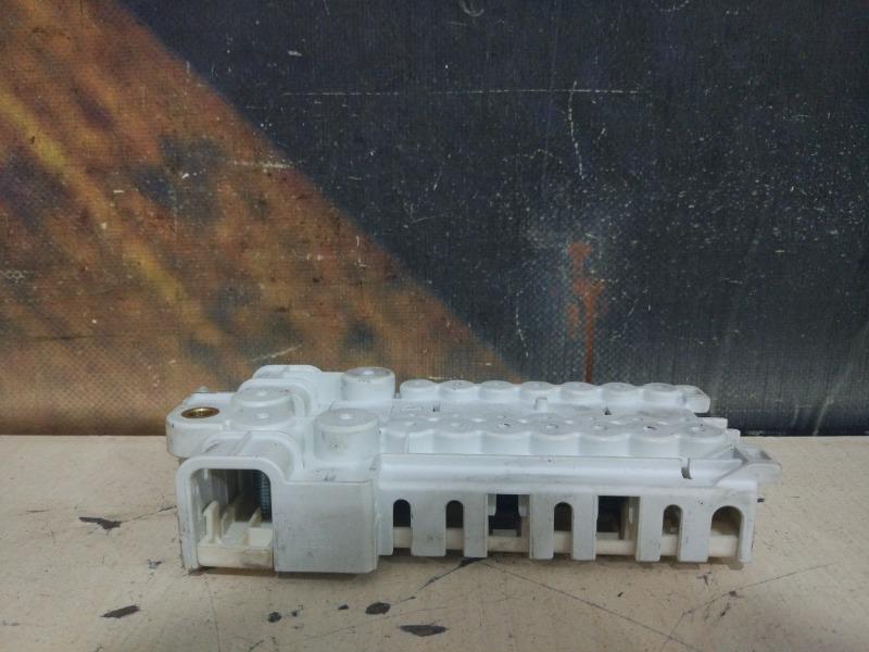 Блок предохранителей Bmw 525I E39 M52 1998