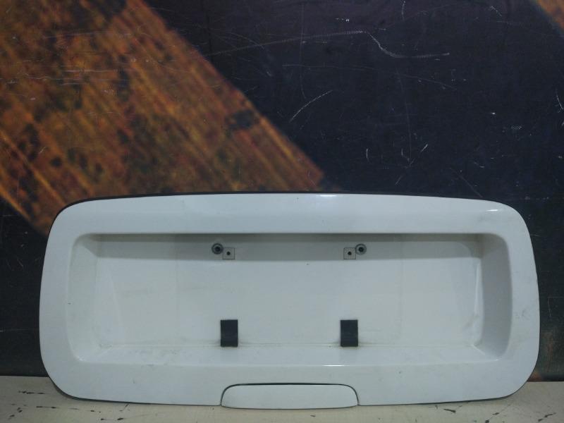 Кнопка открывания багажника Chevrolet Trailblazer GMT360 LL8 2004