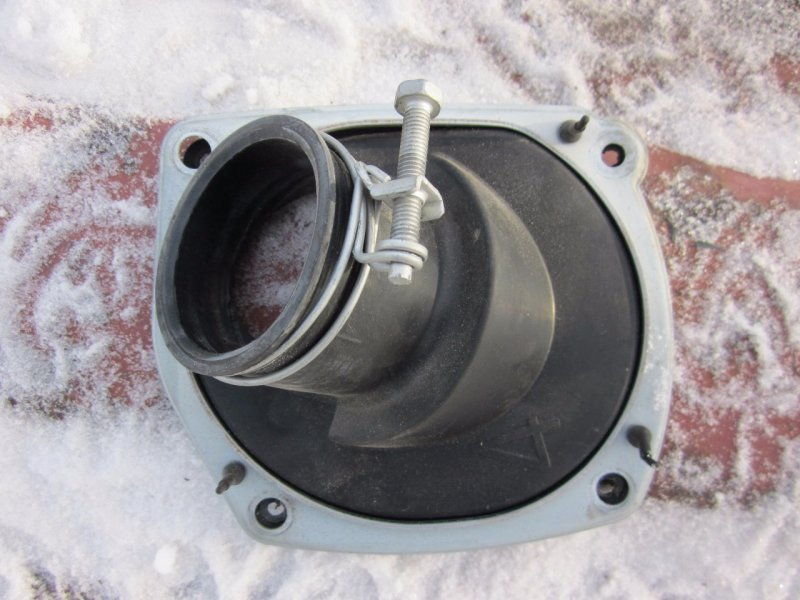 Пыльник рулевой колонки Toyota Nadia SXN15H 1AZFSE