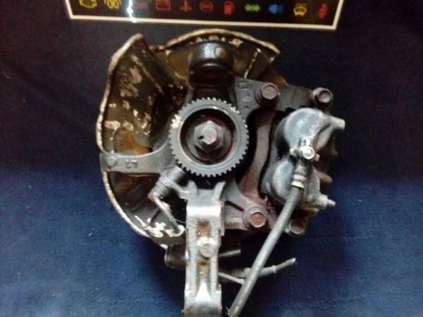 Ступица Mazda Bongo Friendee SGLW передняя правая