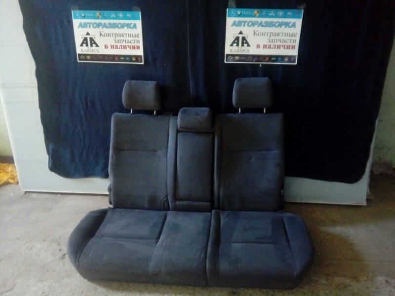 Сиденье Toyota Allion ZZT245 1NZFE заднее