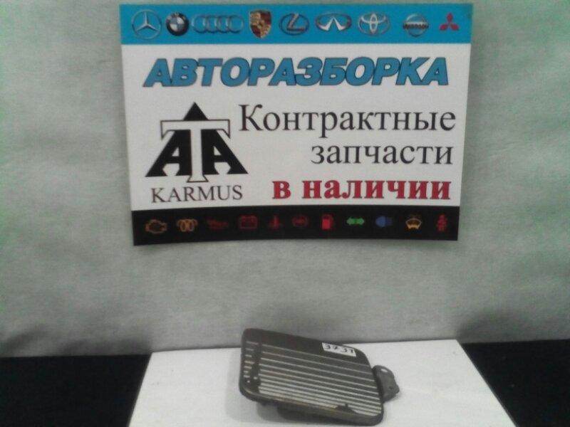 Лючок топливного бака Toyota Regius Ace KZH116 1RZ