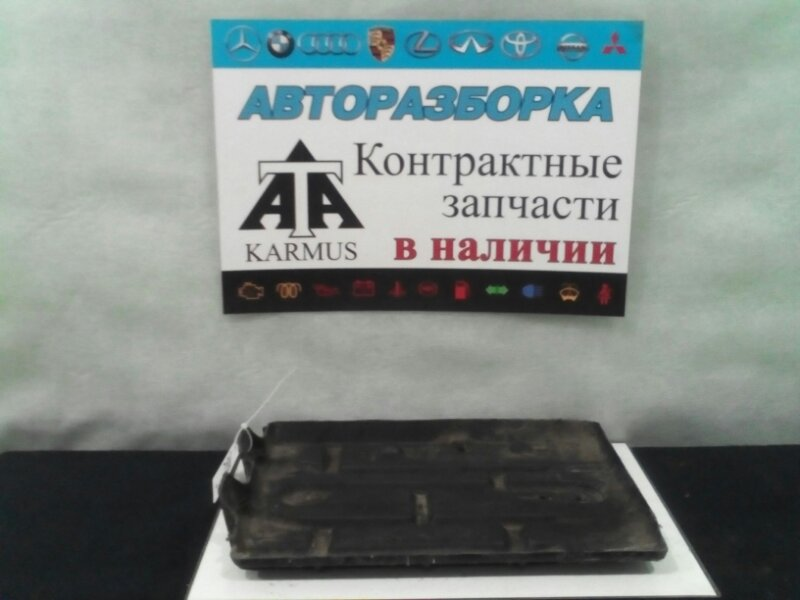 Подставка под аккумулятор Toyota Regius Ace KZH116 1RZ