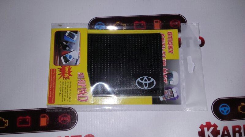 Коврик на панель Toyota МАЛЫЙ
