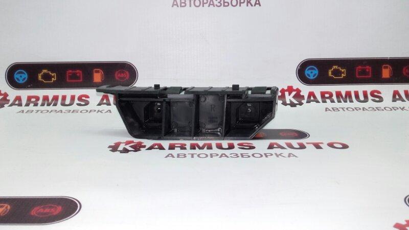 Крепление бампера Honda Fit GD1 L13A переднее правое