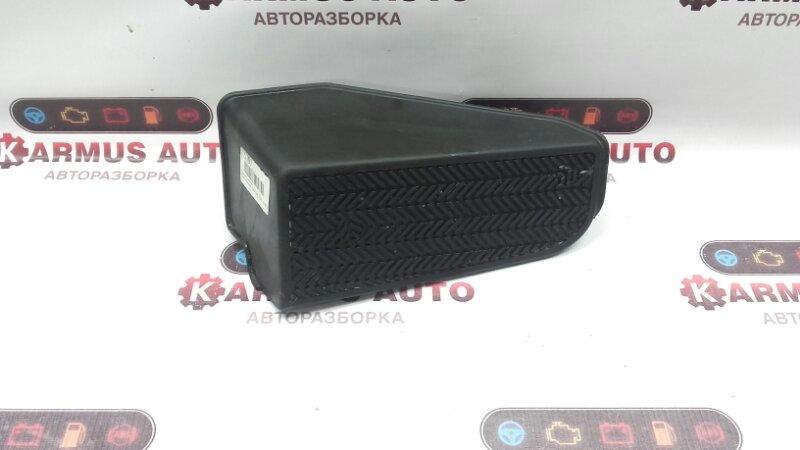 Подставка под ногу Toyota Vista Ardeo ZZV50 3SFE