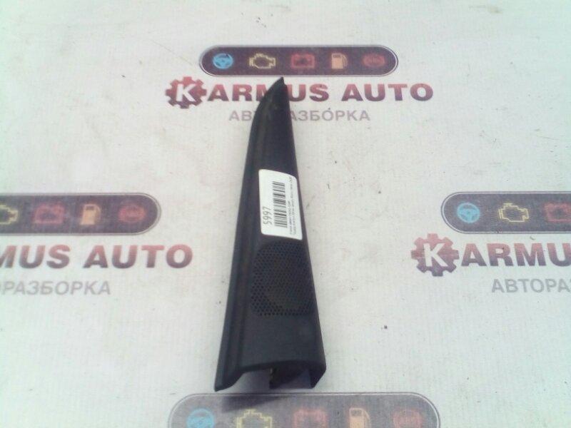 Уголок двери Toyota Avensis Verso ACM21 2AZFE передний правый