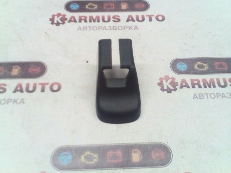 Крышка салазки сиденья Toyota Avensis Verso ACM21 2AZFE передняя левая