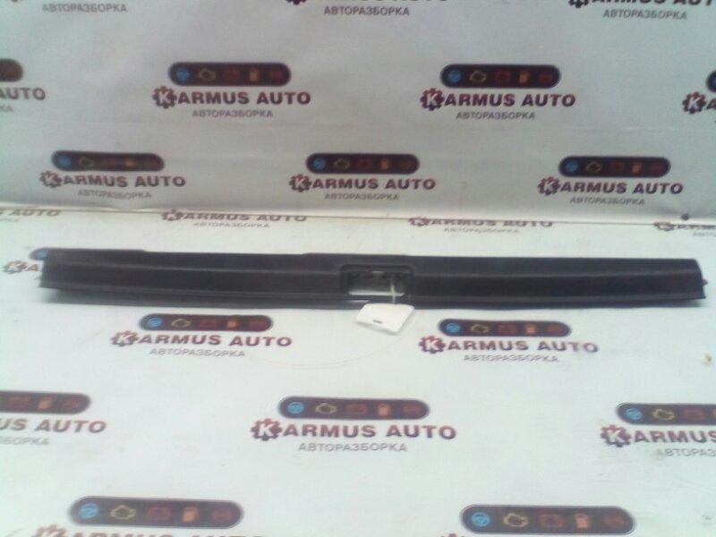 Панель замка багажника Toyota Caldina AT191 2C