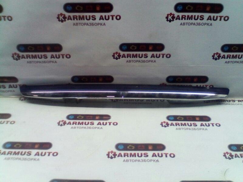 Накладка двери багажника Toyota Corolla Axio NZE141 1NZFE