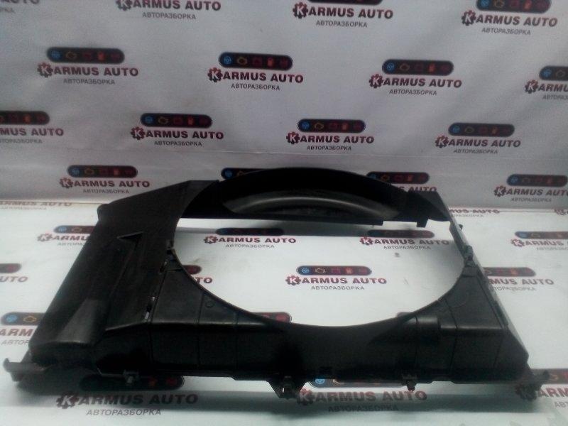 Диффузор радиатора Nissan Skyline CPV35 VQ25DD
