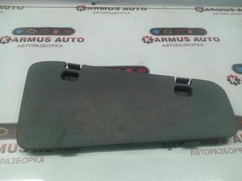 Обшивка багажника Nissan R'nessa N30 KA24DE