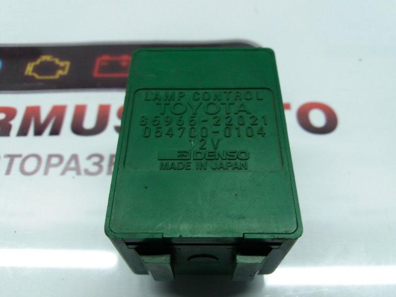 Реле освещения салона Toyota Camry CV10 2CT