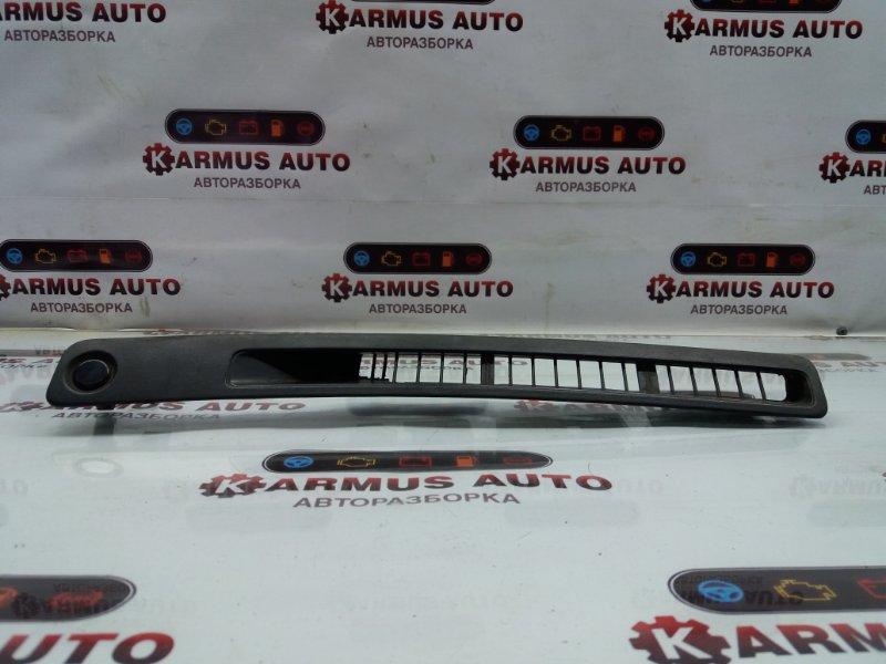 Решетка вентиляционная Nissan Bluebird ENU14 CD20 левая