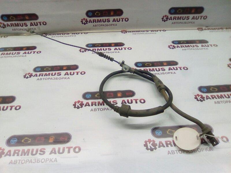 Трос ручника Nissan Cedric HBY33 RD28 правый