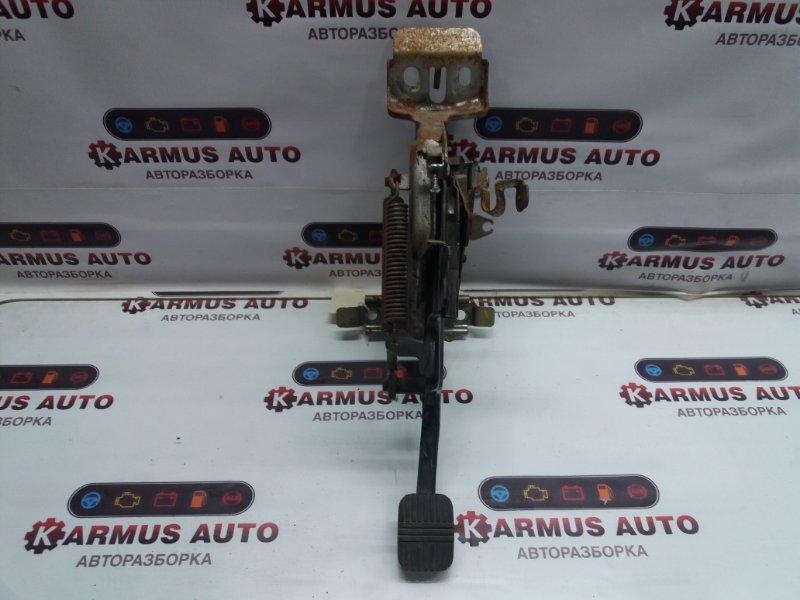 Педаль стояночного тормоза Nissan Cedric ENY33 RB25DET