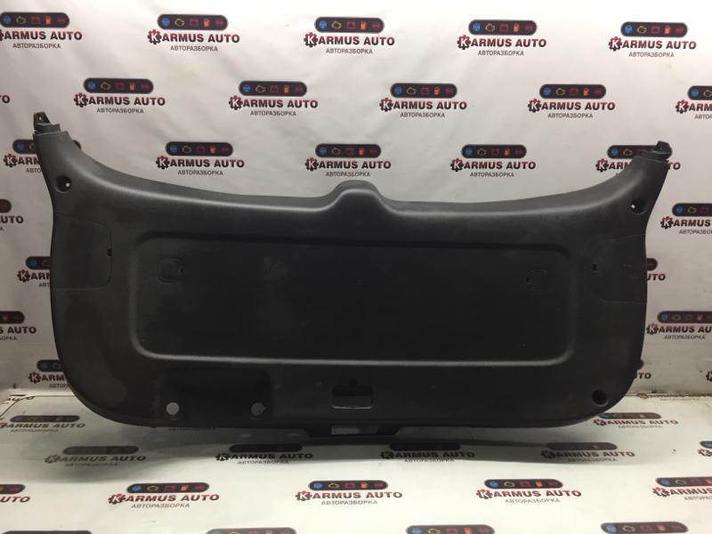 Обшивка двери багажника Kia Sorento D4CB