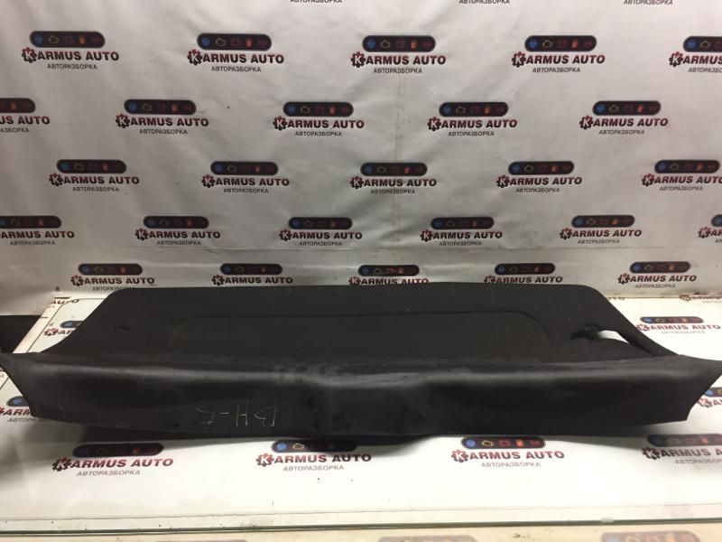 Обшивка двери багажника Subaru Legacy BH5 EJ206
