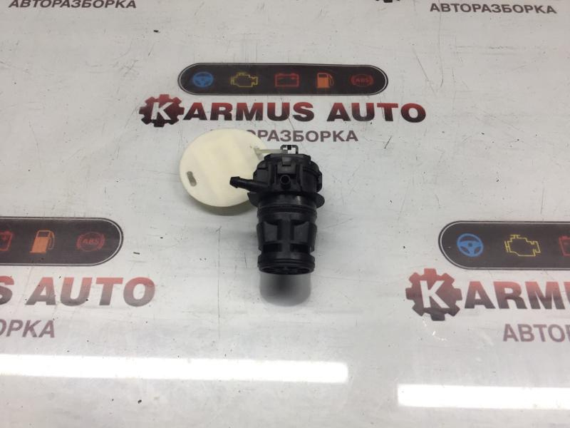 Мотор бачка омывателя Toyota Ist NCP110 1KDFTV