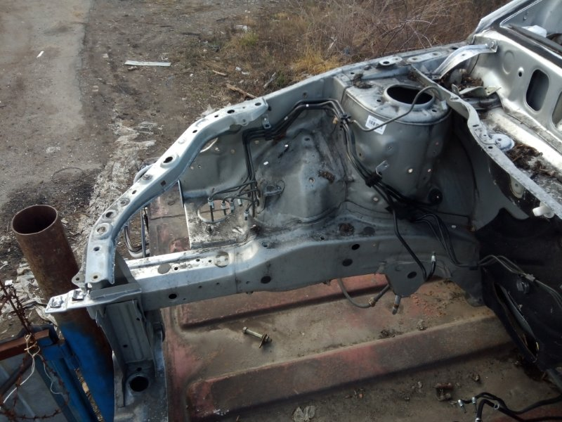 Лонжерон Toyota Allion AZT240 1AZFSE передний правый